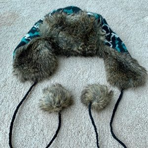 Betsey Johnson Accessories - Betsey Johnson Winter Hat